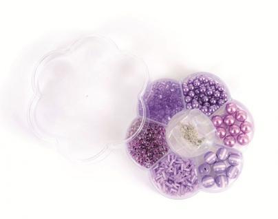 Lila Perlen in Blumen-Box