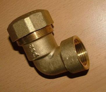 PE-Winkelverschraubung IG 90 ° - Messing