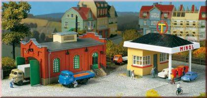Auhagen 12227 Tankstelle mit Kfz-Werkstatt