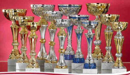 Pokalset bestehend aus 12 Pokalen