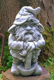 Steinfigur Gnom mit Spitzhacke, aus Steinguss - Vorschau