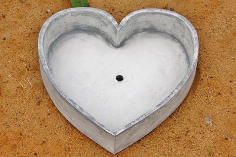 Steinfigur Pflanzherz, Herz aus Steinguss, Blumentopf Übertopf Pflanztopf