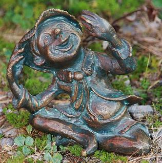 Wichtel Sebastian Troll für Garten aus Bronze zur Dekoration
