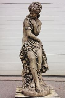 Steinfigur Frau, Skulptur aus Steinguss, 150 cm hoch, patiniert
