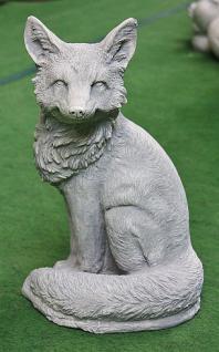 Steinfigur Fuchs, Tierfigur aus Steinguss, Gartendekoration