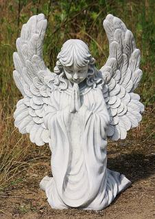 Steinfigur Kniender Engel, Figur aus Steinguss, Himmelsbote