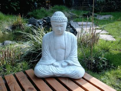 steinfigur buddha figur f r feng shui bonsai gartenteich. Black Bedroom Furniture Sets. Home Design Ideas