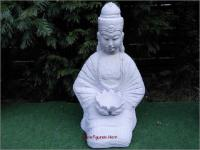 Steinfigur Buddha aus Steinguss