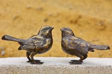 Bronzefigur Spatz auf Ast, Figur aus Bronze Vogel Vögel