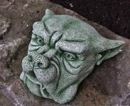 Steinfigur Wasserspeier Gargoyle, mit Öse zum Aufhängen, aus Steinguss