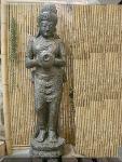 Steinfigur Sri Devi stehend, Skulptur aus Steinguss