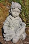 Steinfigur Mädchen mit Buch, Figur aus Steinguss