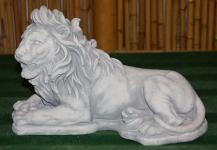 Steinfiguren liegender Löwe, Tierfigur aus Steinguss Löwen Raubkatze