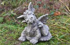 Steinfigur Drache Scratch, Figur aus Steinguss
