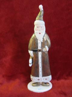 Weihnachtsmann aus Holz Deko 27 cm hoch mit Geschenk in der Hand