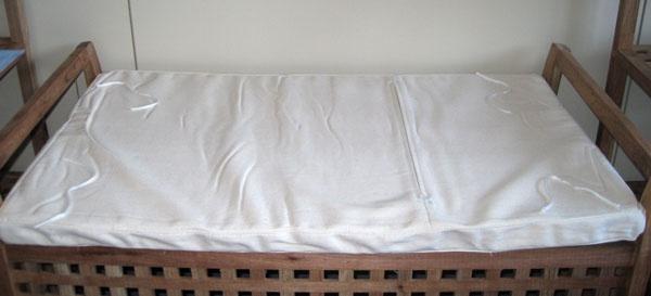 sitzbank holzbank inkl auflage walnuss ge lt kaufen. Black Bedroom Furniture Sets. Home Design Ideas