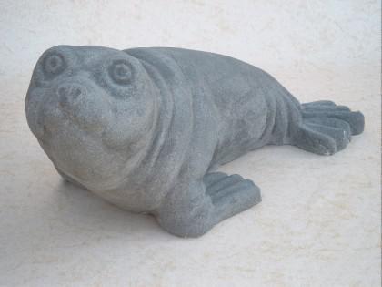 Gartenfigur Seehund aus Graphiksten