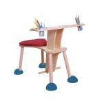Mahlbank mit höhenverstellbaren Fußstützen und mit geneigter Tischplatte