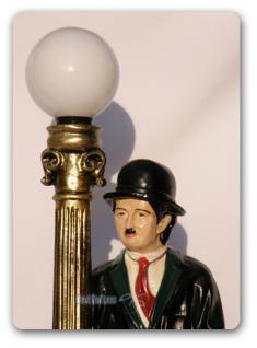 Charlie Chaplin Lampe Leuchte als Dekofigur Statue - Vorschau 2