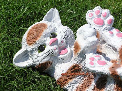 Süße Katze in braun weiß als Dekofigur Tierfigur - Vorschau 2