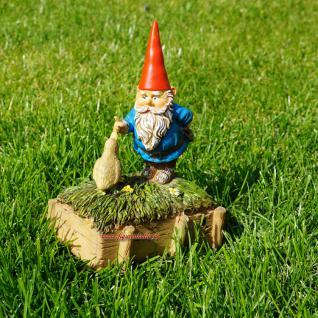 Gartenzwerg mit quakender Ente als Deko für Haus und Garten