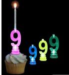Blinkender Kerzenhalter in Form der Zahl 9