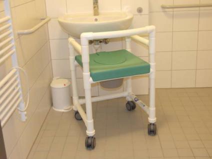 Duschstuhl 150 kg standsicher, über's WC als Toilettensitzerhöhung Rollen Lehnen Profi