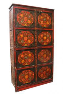 China Tibet ca 1910 Hoher schlanker Schrank Kassetten dunkles Finish