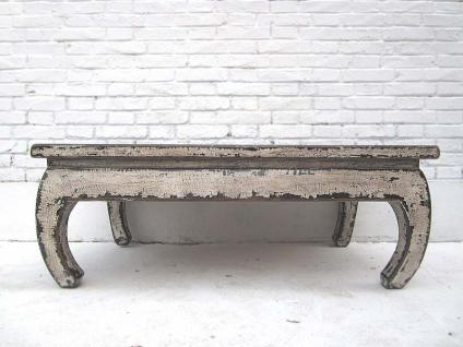 China 1950 shabby chic Klassischer Tisch gebogene Füsse altweiss lackierte Pinie von Luxury-Park
