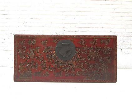 China Tibet ca 1930 kleine Truhe in dunkel bemaltem Pinienholz massive Metallbeschläge von Luxury-Park