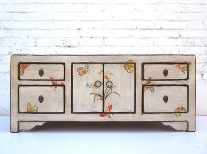 China feine weiße Kommode Lowboard in floralen Motiven bemaltes Pinienholz Schubladen und Doppeltüre von Luxury-Park - Vorschau