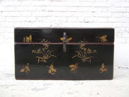 China Shanxi ca 1890 kleine uralte Truhe schwarz lackierte Ulme mit goldener Dekor Bemalung von Luxury-Park