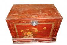 China 1900 koloniale Hochzeitstruhe mit Sockel filigrane antike Malerei