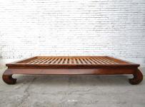 China breites Bett Opiumbett Doppelbett mit Lattenrost braun lasierte Ulme