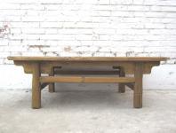 China 1910 traditionell flacher Tisch rustikale Sockeloptik Landhaus-Stil helle Fichte von Luxury-Park