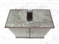 China kleine Kommode Waschtisch Unterschrank lackiertes Pinienholz schmutzgrau shabby chic look von Luxury Park