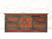 China ca 1940 flache Anrichte Kommode Lowboard Pinie bemalt mit traditionellen Motiven von Luxury Park