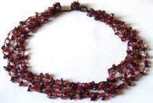 DARK RED FAIRYSTEPS- Granat Perlen 5-stufiges Collier