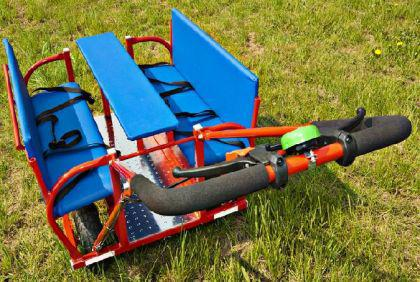 krippenwagen mehrkindwagen dresden f r 6 kinder rot ausflugswagen f r 6 kinder dragon toys. Black Bedroom Furniture Sets. Home Design Ideas