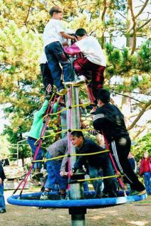 Karussell Spiralkreisel Kletterturm Spielturm Seilgerüst Kreisel Kletterkarrussel Seilkarussel Drehturm Hally Gally Spogg GmbH