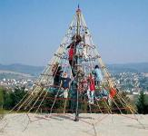 Huck Seilnetzturm 1 Kletterpyramide