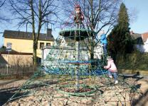 Huck Kletterturm Seilnetz-Pyramide Dino 2 - Erdanker Kletterpyramide Vogelnest