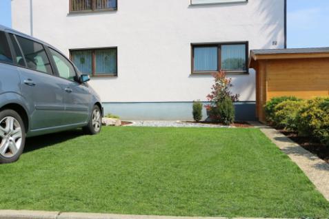 (ab 18, 96 EUR/qm) Rasenwabe 56 x 38 cm grün aus Kunststoff für Bodenbefestigung ohne Versiegelung von Hofeinfahrten, PKW-Stellplätzen und Carports - Vorschau 5