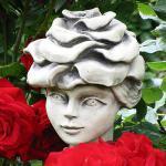 Blumenkind Edelrose Gartenfigur Zauberblume