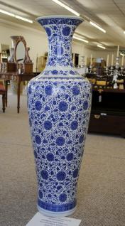 Monumentales Prunkgefäss Standvase Vase hochwertiges Porzellan Höhe 120 cm