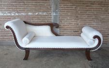 Edle Couch Recamiere Ottomane im Antikdesign Neu aus massiv Mahagoni