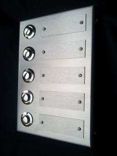 Edelstahl Aufputzklingelplatte PLÖN-5 GS, Edelstahl Klingelschild, Edelstahl Aufputzklingel, Edelstahl Aufputz-Klingel, Edelstahl Aufputz-Klingelplatte, Edelstahl Klingelplatte auf der Wand, Edelstahl Klingel Aufputz,