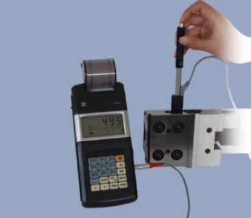 Härteprüfgerät mit Drucker und Schlaggerät D