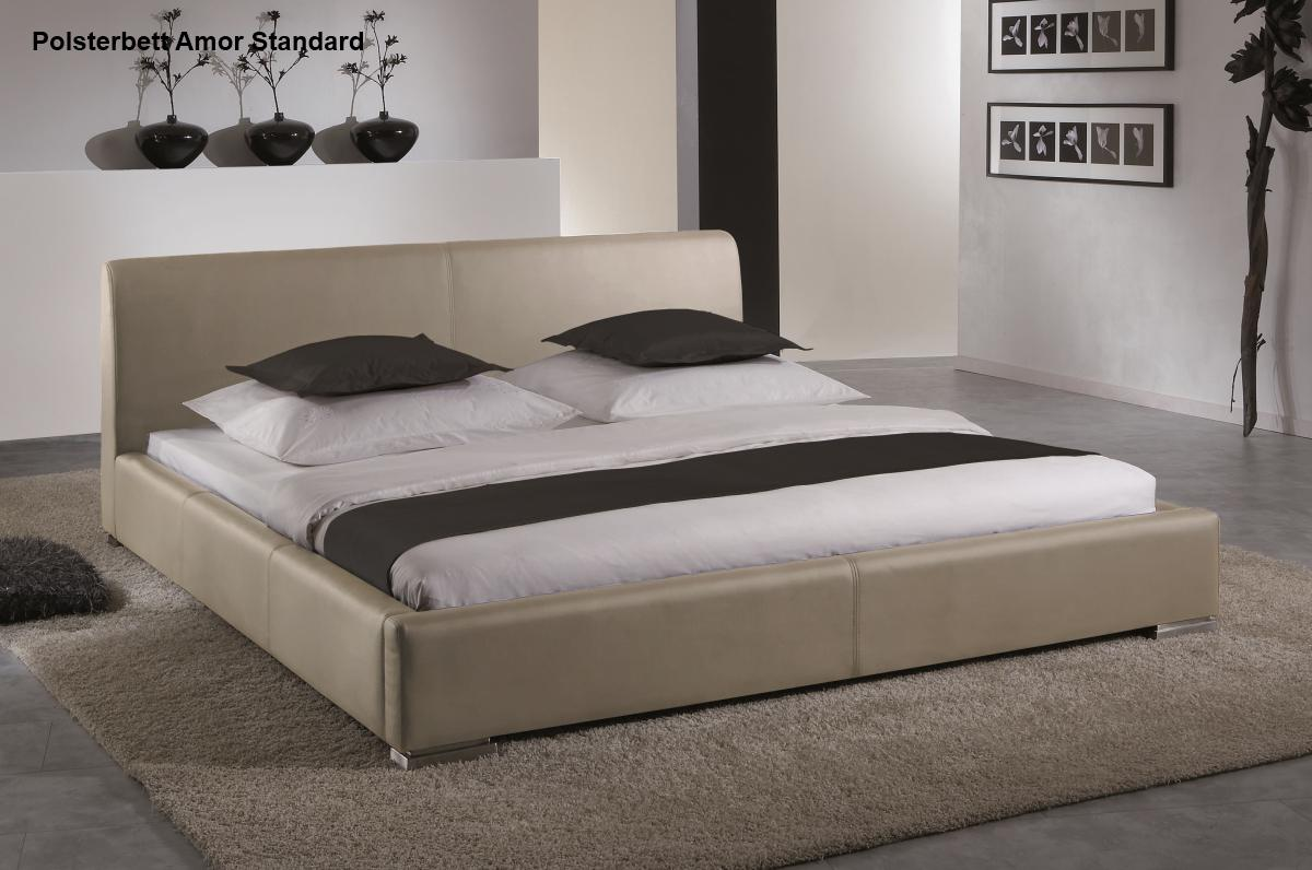 leder bett polsterbett amor lederbett braun oder beige muddy mit glattes kopfteil g nstig. Black Bedroom Furniture Sets. Home Design Ideas
