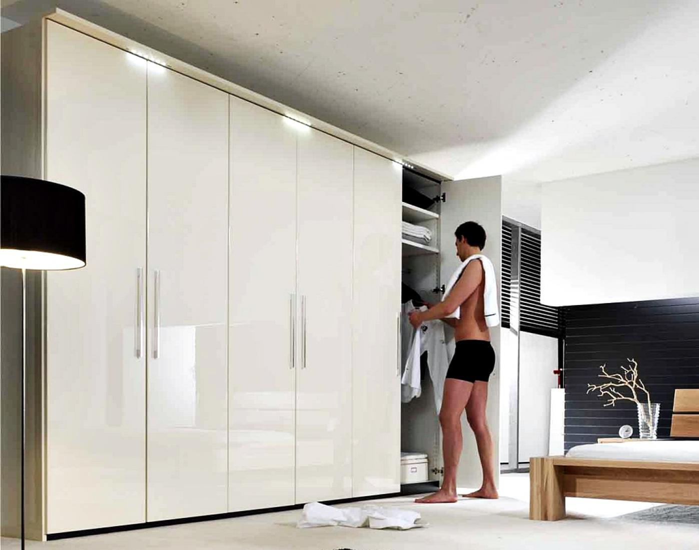 kleiderschrank cobus 6 t rig in creme hochglanz kaufen. Black Bedroom Furniture Sets. Home Design Ideas